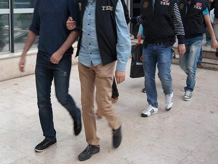 """İstanbul'da """"sınav jokerleri""""ne polis baskını: 9 gözaltı"""