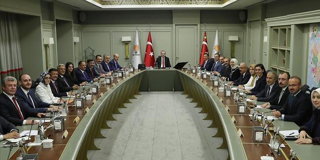 AK Parti MYK, Başkan Erdoğan başkanlığında toplandı