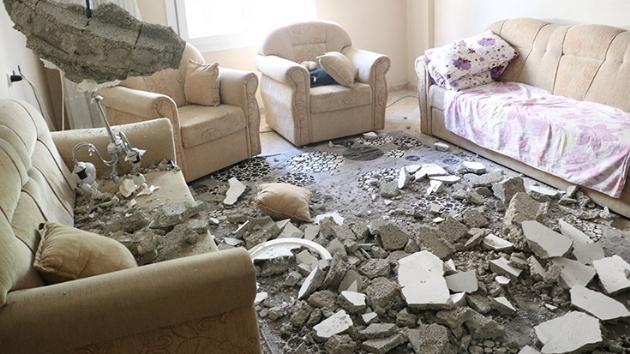 Evin tavanı çöktü: Anne ve oğlu yaralandı