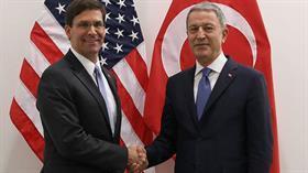 Son dakika... Bakanı Akar, ABD Savunma Bakanı Vekili Esper'le bir araya geldi