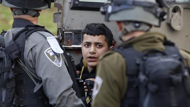 İşgalci İsrail güçleri 9 Filistinliyi gözaltına aldı