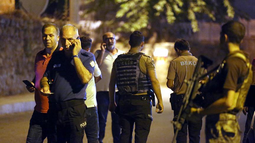 Antalya'da mahalle bekçilerine pompalı tüfekle ateş açıldı: Özel harekat polislerini teyakkuza geçirdi