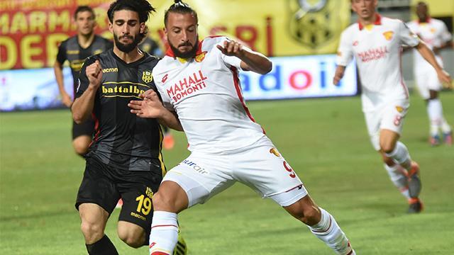 Göztepe'nin yollarını ayırmak istediği Ghilas'a Espanyol, talip oldu