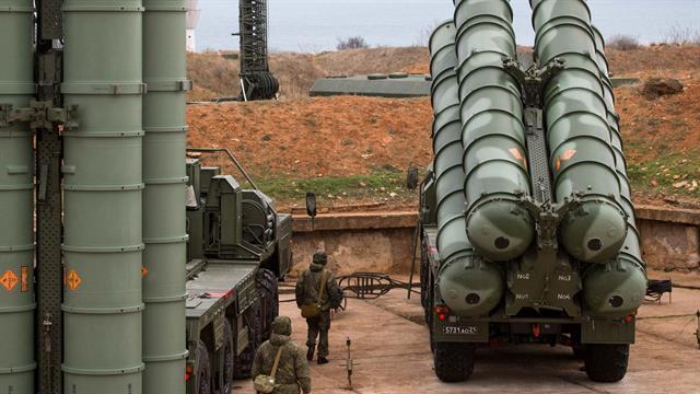 Rusya Savunma Bakanlığı, Türkiye'ye teslim edilen S-400'lerin yola çıkma anlarını paylaştı