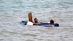 Trabzon'da kanosu ters dönen balıkçıyı, dalış timi komutanı kurtardı