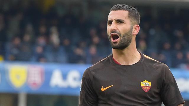 Galatasaray, Fatih Terim'in onay vermesi halinde Maxime Gonalons'u transfer edecek