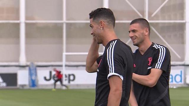 Cristiano Ronaldo'dan Merih Demiral'a: Aramıza hoş geldin
