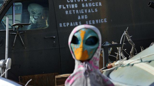 ABD tarihinin en büyük sivil itaatsizliğiyle karşı karşıya... 1 milyon kişi uzaylılar için seferber oldu