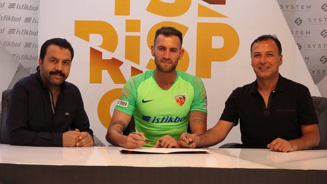 İdmanda sakatlanan Kayserispor'un yeni transferi Eray İşcan, 6 ay sahalardan uzak kalacak