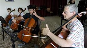 """""""Sihirli notaları"""" ustalarından öğreniyorlar"""