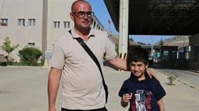 DEAŞ'ın ailesinden kopardığı küçük Ezidi amcasına teslim edildi