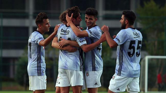 Beşiktaş ilk hazırlık maçında Pendikspor'u 2-1 mağlup etti