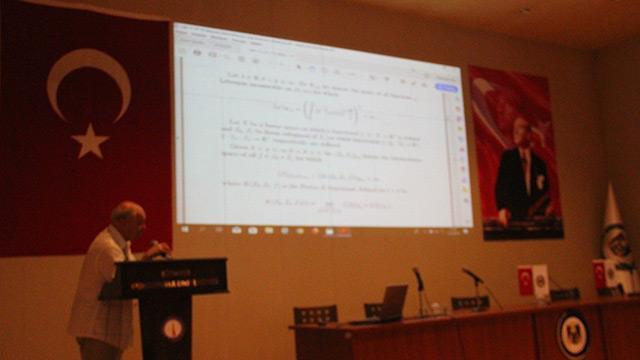 Matematiğin geleceği Kütahya'da tartışılıyor