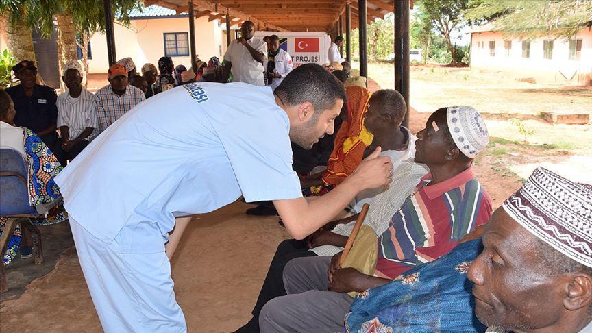 Sadakataşı Tanzanya'da 225 katarakt hastasını sağlığına kavuşturdu