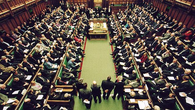 İngiltere'de anlaşmasız Brexit'i zorlaştıracak teklif kabul edildi