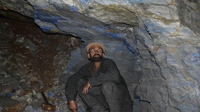 Afganistan'da Taliban, büyük değere sahip lapis taşı madenini ele geçirdi