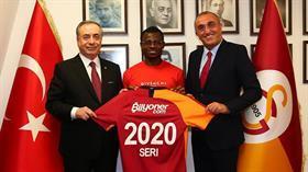 Jean Michael Seri'nin Galatasaray'a imza atması Milan taraftarını çıldırttı