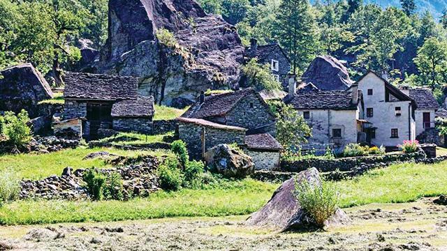 İsviçre Alpleri'nde 6 liraya ev