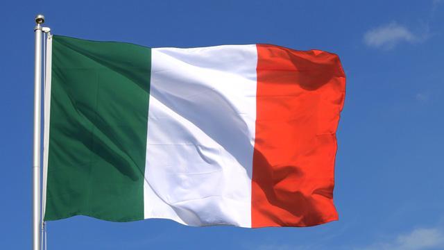 İtalya'da hükümet krizinin eşiğinden dönüldü