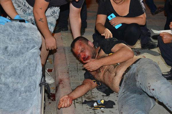 Otomobili gasp edilen sürücü, silahlı saldırgan sanılıp dövüldü