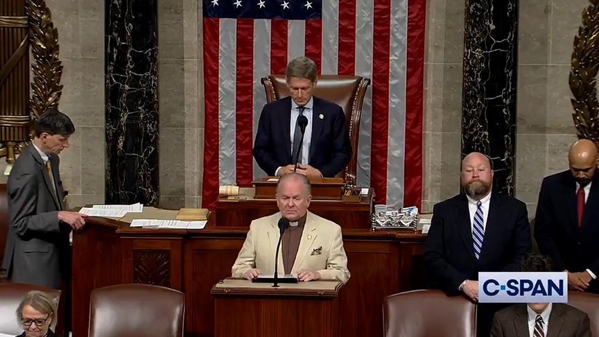ABD Kongresi'nde 'karanlık ruhları kovan' dua!