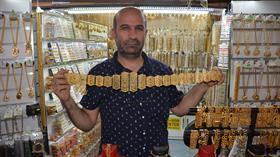 Gerçeğinden farksız takılar 5 liradan 90 liraya kadar satılıyor