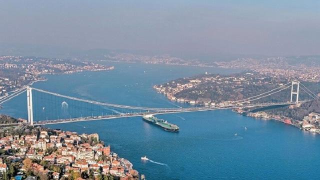 Dikkat! İstanbul Boğazı 13.00'e kadar gemi geçişlerine kapatıldı