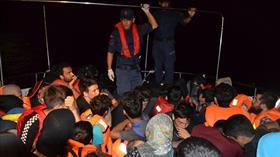 Balıkesir Ayvalık açıklarında 46 kaçak göçmen yakalandı