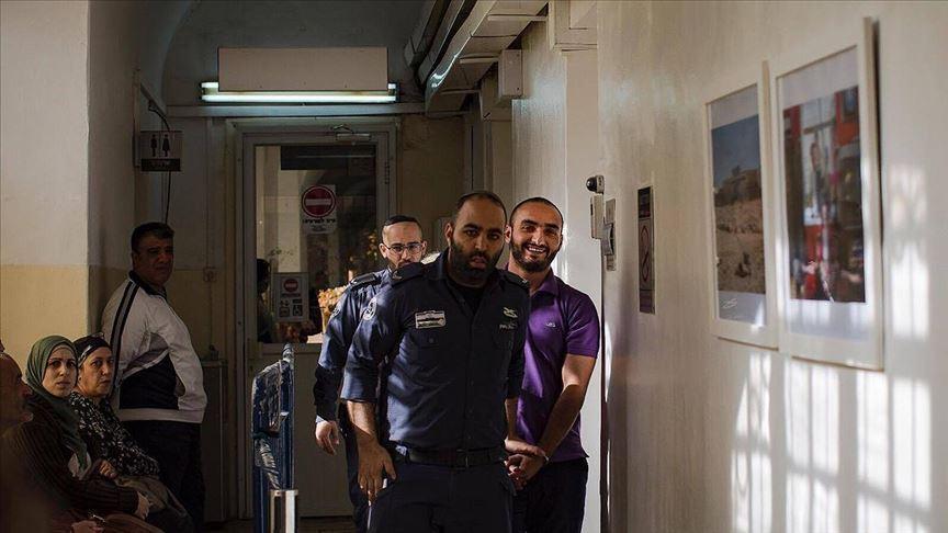 Katil İsrail'in sınır dışı etmeye çalıştığı AA muhabirinden haber alınamıyor