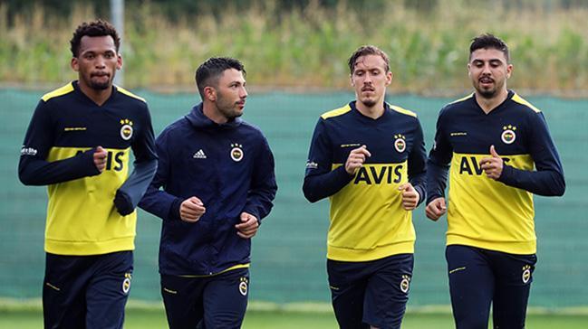 Fenerbahçe'de Avusturya kampı başladı! Sarı Lacivertliler ilk antrenmanını gerçekleştirdi