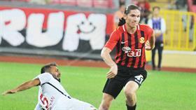 Galatasaray, Beşiktaş'ın da istediği Mehmet Özcan için Eskişehirspor'a yeni bir teklifte bulunacak