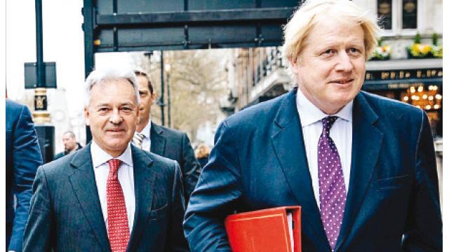 İngiltere'de hükümet depremi! 12 bakandan istifa hazırlığı