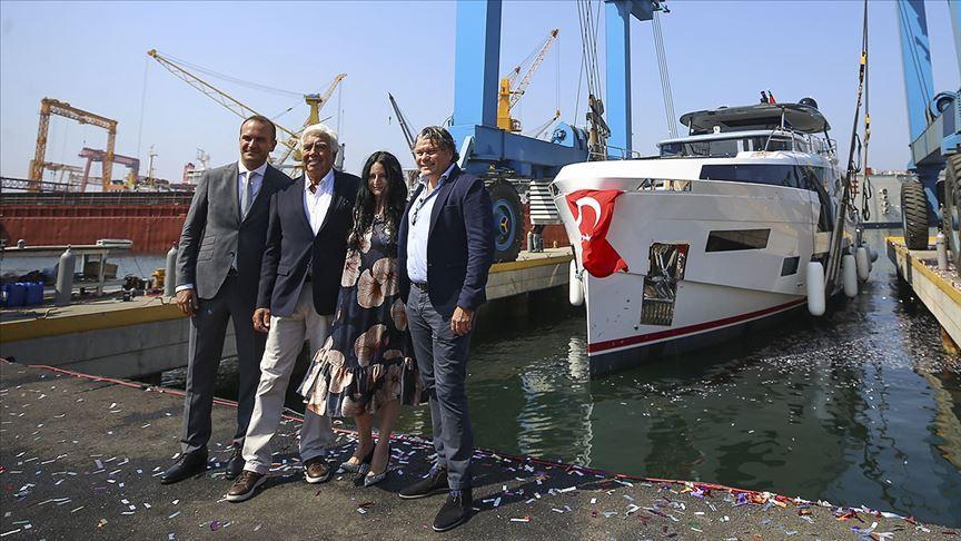 Sirena Marine'nin yeni amiral gemisi Sirena 88 suya indirildi