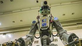 İnsansı Rus uzay robotu Skybot F-850 kumandan koltuğunda