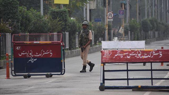 Hindistan Cammu Keşmir'deki kısıtlamaları hafifletiyor