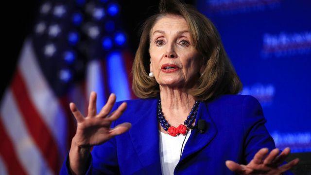 ABD'li Meclis Başkanı Pelosi'den 2 Müslüman Kongre üyesine destek
