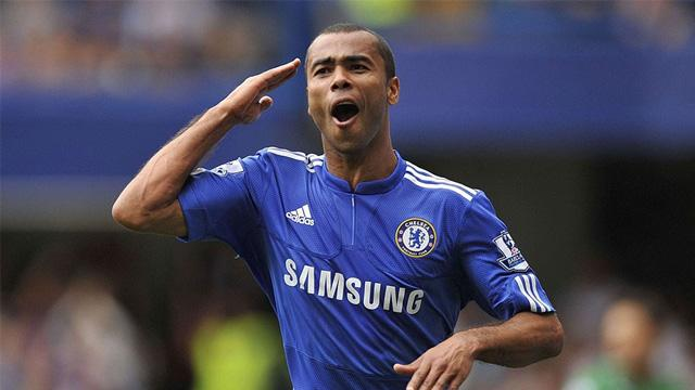 Ashley Cole futbolu bıraktı