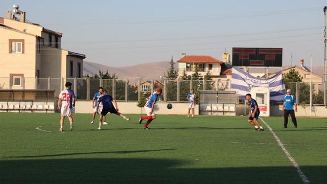 Kayseri'de düzenlenen turnuvanın final maçında sahada hayatını kaybetti