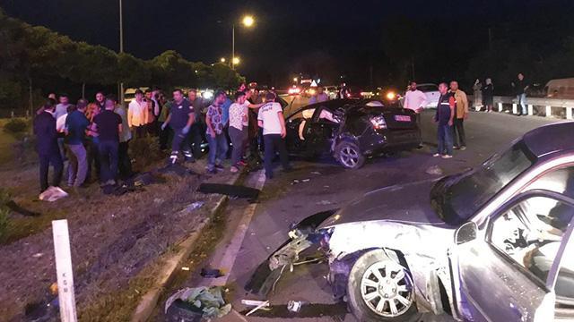 Samsun'da iki otomobilin çarpışması sonucu aynı aileden 1 kişi öldü, 3 kişi yaralandı