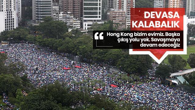 Devasa kalabalık... Hong Kong'daki gösteriler devam ediyor