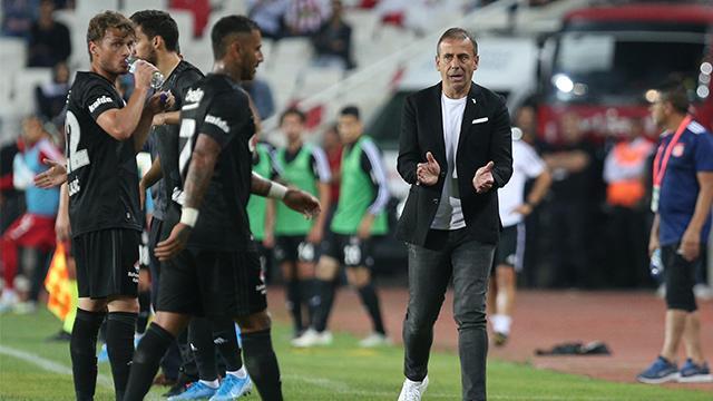 Beşiktaş'ta yeni sisteme geçiş sancılı başladı