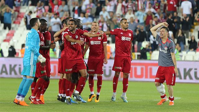 Sivasspor'da 3-0'lık Beşiktaş galibiyeti moralleri yükseltti