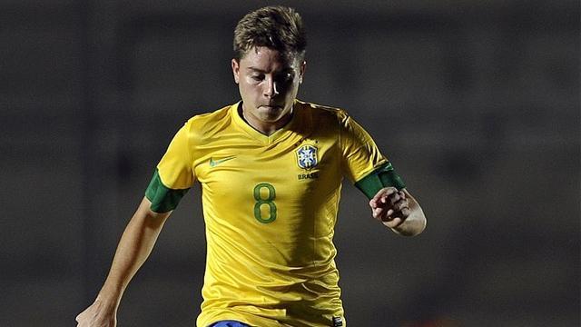 Kayserispor, Brezilyalı futbolcu Tavares ile görüşüyor
