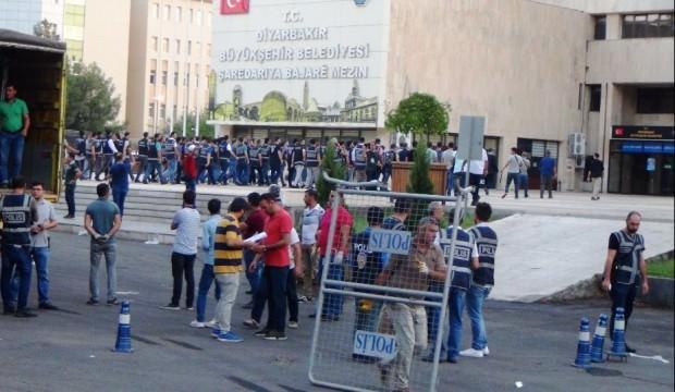 Diyarbakır, Mardin ve Van Büyükşehir Belediye Başkanları görevlerinden uzaklaştırıldı