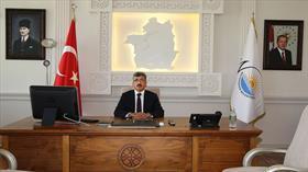 Van Valiliği 'Atatürk portresi' üzerinden algı yapmaya çalışanlara fotoğrafla yanıt verdi