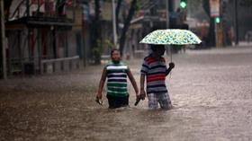 Hindistan'daki yağışların yol açtığı can kaybı artıyor