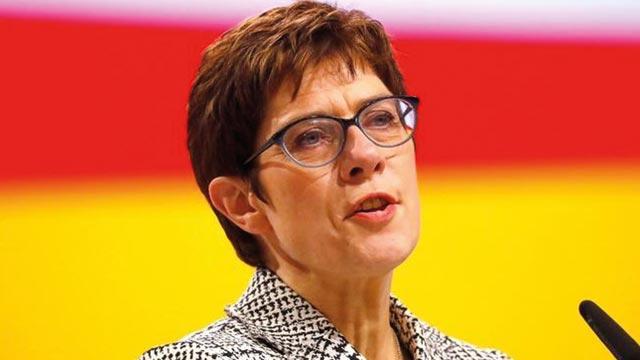 Almanya Savunma Bakanı: İsrail-Filistin anlaşmazlığına son verecek tek yol iki devletli çözüm
