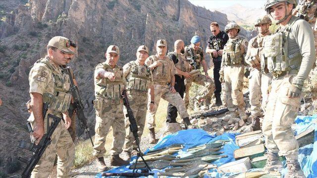 Kıran Operasyonu'nda PKK'ya ait silah ve mühimmat deposu bulundu