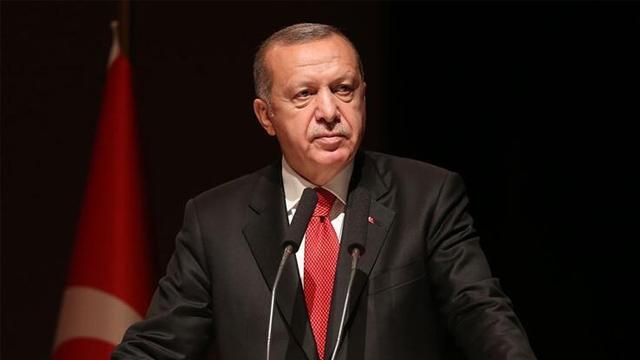 Başkan Erdoğan, şampiyonada altın madalya kazanan Kamal'ı kutladı