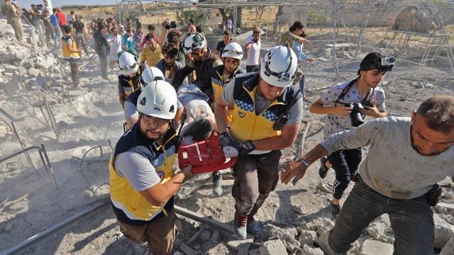İdlib'e yönelik yoğun hava saldırılarında 6 sivil yaşamını yitirdi
